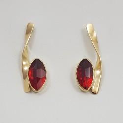 Boucles d'oreilles  or 750 millièmes Grenats de Perpignan navettes.