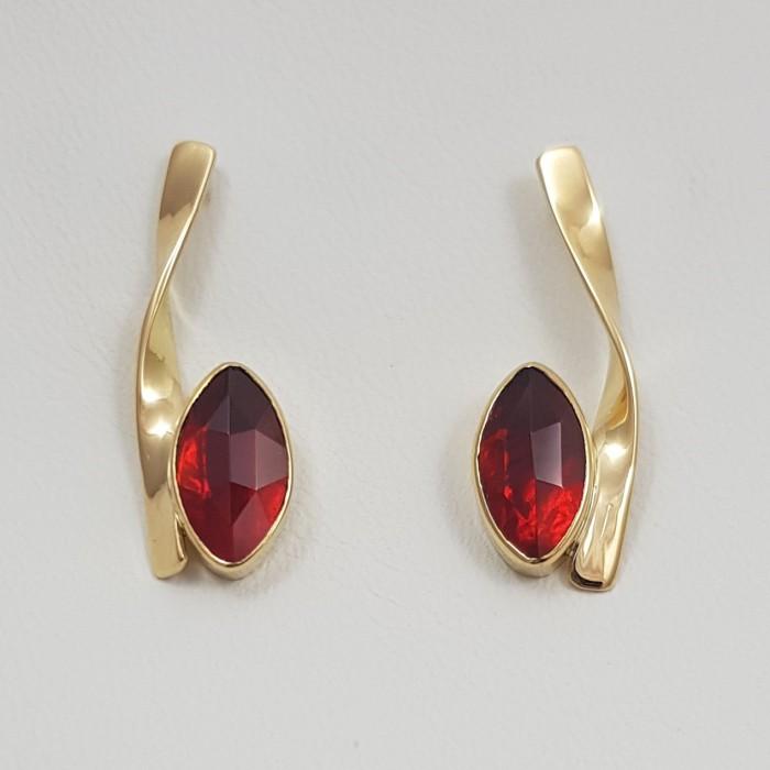Boucles d'oreilles or 750 millièmes Grenats de Perpignan navettess